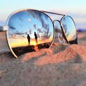 Sunglasses, polarized lenses, eye health