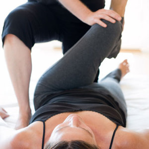 partner stretching, passive stretch, fitness, personal trainer, vancouver, assisted, passive