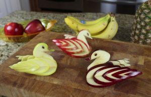 Edible-Apple-Swan